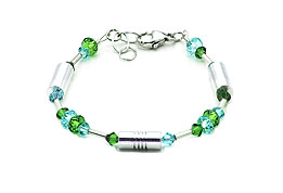 SWAROVSKI (R) crystals in combination with: BELLASIX (R) 1712-A bracelet blue green 925 silver clasp